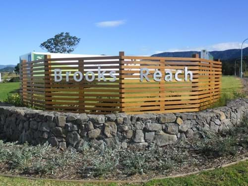Simpson Landscapes Entry Wall for Stocklands Brooks Reach